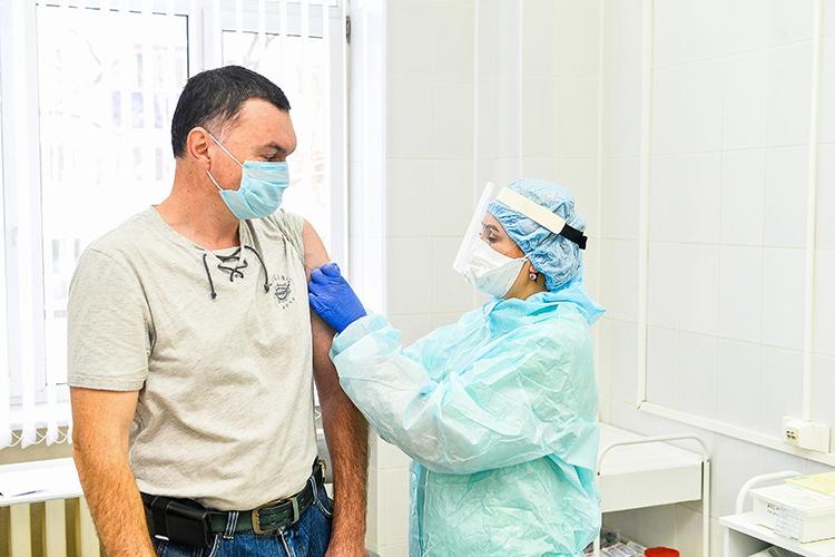Сама процедура занимает неболее минуты, осмотр ибеседа сврачом— около 10 минут