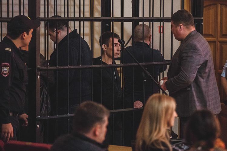 Сенсационное решение вынес сегодня Шестой кассационный суд общей юрисдикции вСамаре. СудьяНаталья Назинкинаотменила приговор сразу четверым ключевым фигурантам уголовного дела