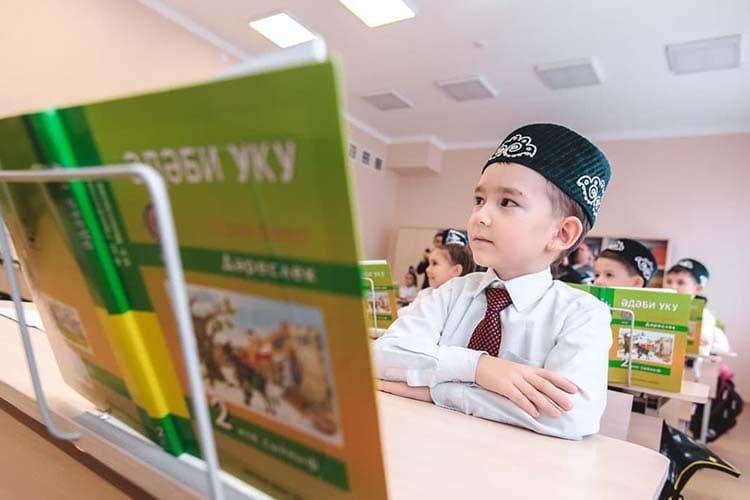 Практически все представители национальных республик отметили, что споявлением права выбора изучения родного языка, изучение нерусских языков стало уменьшаться