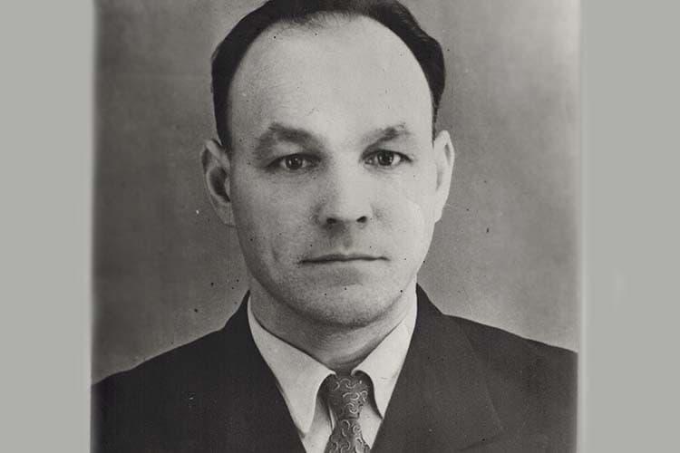 Герой Социалистического Труда, рабочий-изобретатель Семен Павлович Никитин трагически погиб 2июля 1968 года вследствие несчастного случая напроизводстве— онпопал под поезд. Ему было всего 47 лет