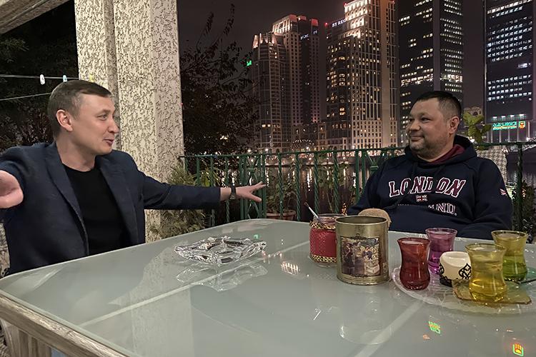 Рафаль Даминов (слева) и Юлдаш Ягафаров (справа). Каир. Февраль, 2021 г.