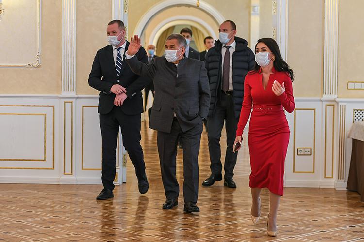Сегодня Рустам Минниханов в Казанском Кремле встретился с журналистками - представительницами федеральных и республиканских СМИ. Встреча приурочена к предстоящему Международному женскому дню – 8 марта