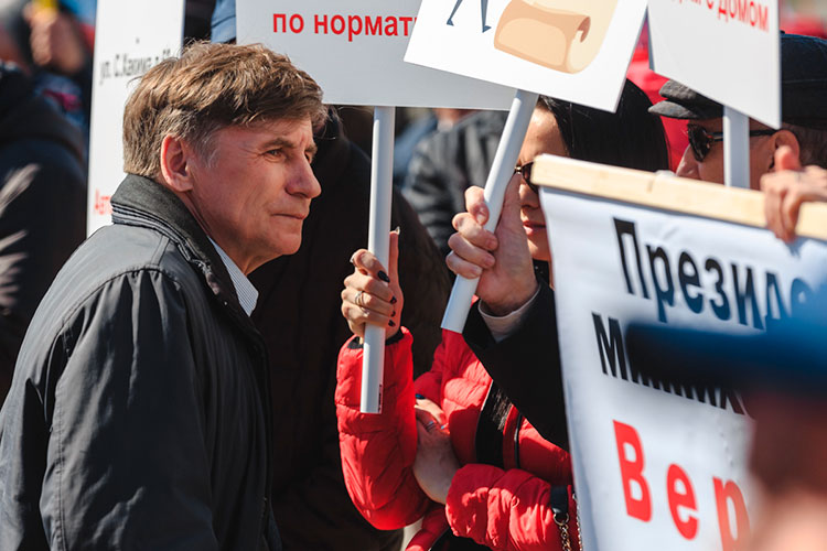 Закиев — председатель ВТОЦ, ему 69 лет, организацию он возглавляет с 2012-го года. Он не раз привлекался к ответственности за нарушение правил проведения митингов