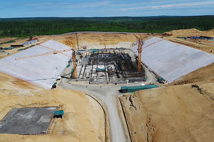 Строительство первой очереди шло с2012 по2016 годы. Вторая очередь предполагала строительство стартового стола для ракетного комплекса «Ангара»
