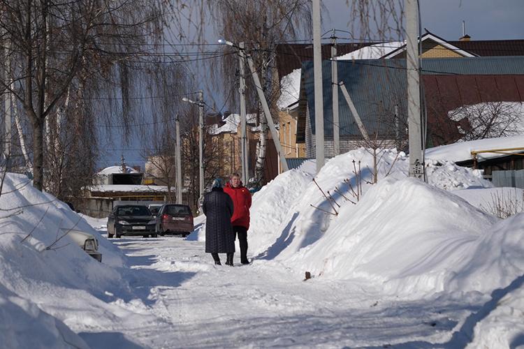 Родственники ждали, когда вдом привезут тела погибших: соседи рассказали, что похорон еще небыло