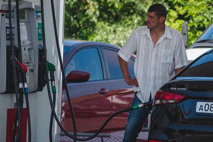 «Все это мало повлияет нацену бензина. Вэтом смысле иувеличение цен нанефть, иуменьшение цен нанефть— малозначимый фактор для России»