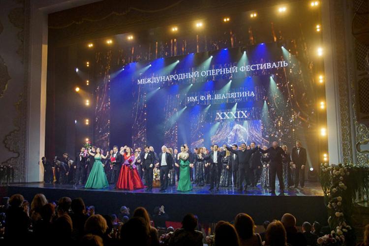 После месяца безудержного хайпа нафамилии великого земляка чудесный Шаляпинский фестиваль театр им.Джалиля наконец-то закончился