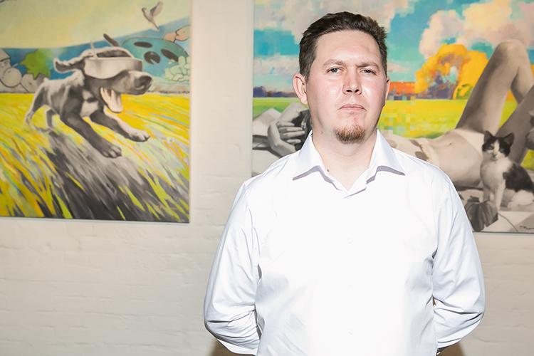 Павел Полянский:«Ямыслю образами, смотрю нажизнь сразных точек зрения, обращаю внимание надетали, вкурсе новостей ислежу затрендами. Люблю искусство ичувствую себя насвоем месте»