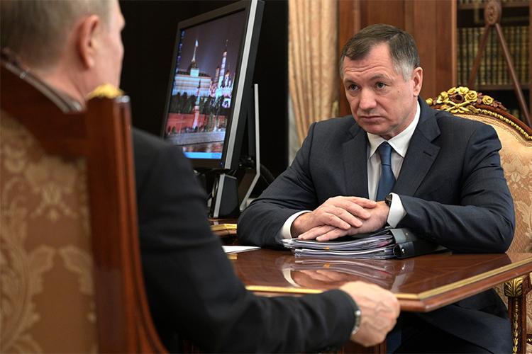 «Он [Марат Хуснуллин] мне сегодня докладывал, три тысячи различных ограничительных административных процедур было отменено впрошлом году, ивот правительство наметило 3800 котмене всамое ближайшее время, вближайшие несколько месяцев»,— сказал Путин
