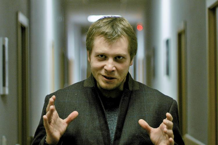 Никита Петров: «Какимбы нибыл канал коммуникации, люди проговаривают свои страхи икакие-то сложные ситуации, связанные сэтими страхами. Потому база для изучения коронавирусных слухов, собственно, была»