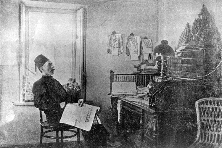 «В1908 году вказанской типографии Харитонова был изобретен типографский шрифт, названный именем Гаспринского»