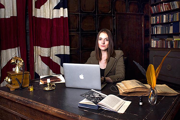 Арина Полякова: «Гарри иМеган выставляют себя жертвами, ведут себя скандально ивызывающе. Новтоже время они являются противовесом действующей королевской семьи»