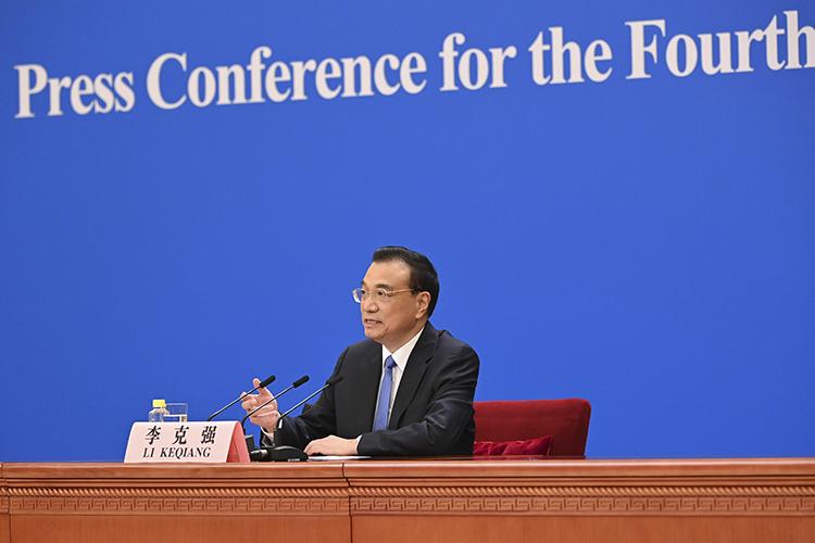 ЛиКэцянрассказал, что в2021 году экономика КНР может нетолько достичь целевого показателя в6%, нодаже ипревыситьего