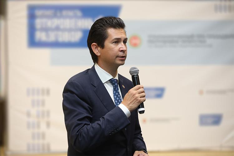 Фарид Абдулганиев:«Что касается онлайн-торговли, это покупательский спрос, логистическая инфраструктура, интернет унас проведен вкаждую школу, 77% домохозяйств унас обеспечены высокоскоростным интернетом»