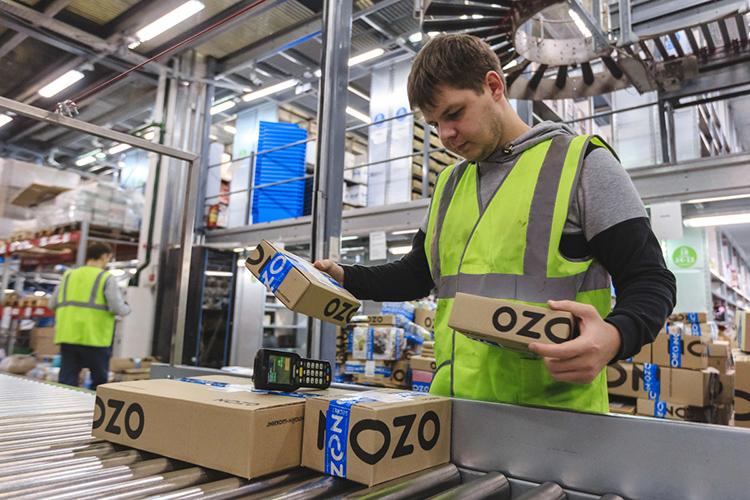 «Вопрос доставки задавал гендиректор компании Ozon, вчастности, чтобы мыразличные варианты предусмотрели: доставку доближайшего точки, где можно свой товар оставить, или вариант субсидирования доставки поПСБ или ПСБ+ отпроизводителя допокупателя»