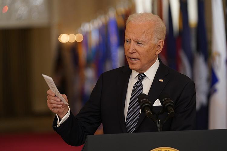 Президент США Джо Байден заявил, что считает президента России Владимира Путина убийцей и что Путин «заплатит» за предполагаемое вмешательство России в президентские выборы в США в 2020 году