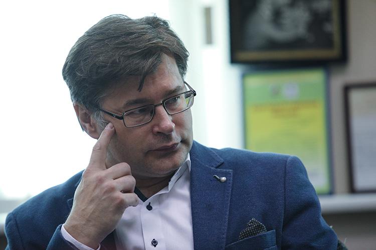 Алексей Мухиннесомневается, что заобещаниями Байдена может стоять реальная угроза:«Это могут быть исанкции, ипопытки спровоцировать вооруженные конфликты. Отвечать натакие высказывания Россия должна спокойно ижестко. Попытки уйти отответа либо замять эту ситуацию создадут ложную иллюзию, что Россия— слабое государство»