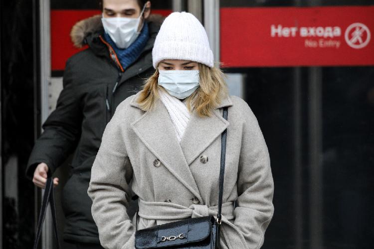 Вцелом республика с24февраля вышла наболее-менее стабильный уровень заболеваемости коронавирусом, ирезких подъемов или сниженийнет