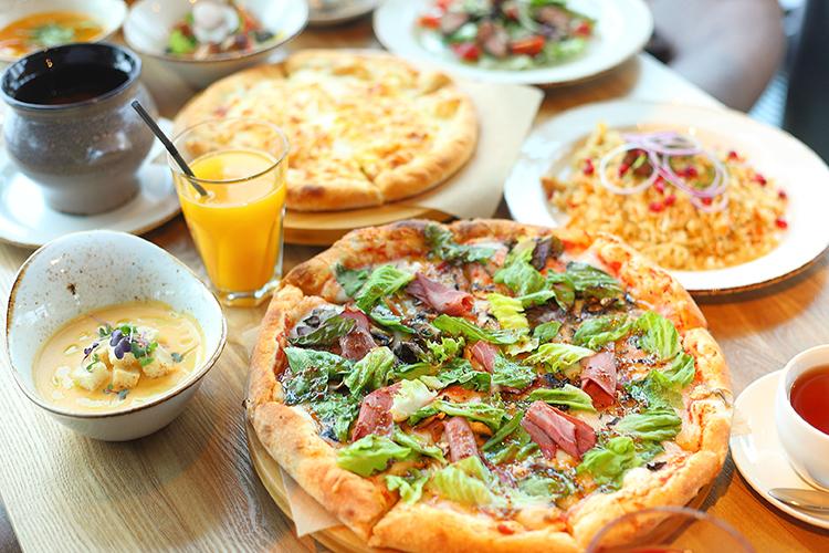 «Вовремя пандемии внашем меню появилась пицца, иоказалось, что это— «блюдо номер один» для доставки»