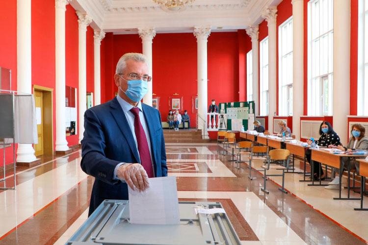 На выборах в сентябре прошлого года Белозерцев переизбрался с 78,7% голосов