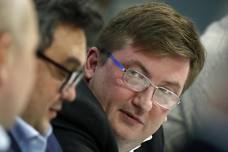 Руководитель экспертного совета ЭИСИГлеб Кузнецовназвал успешной сделку «слияния-поглощения», которую провели эсеры иихсоюзники. Онотметил ислова лидера партии «Новые люди» оготовности сотрудничать снеудобными для власти кандидатами