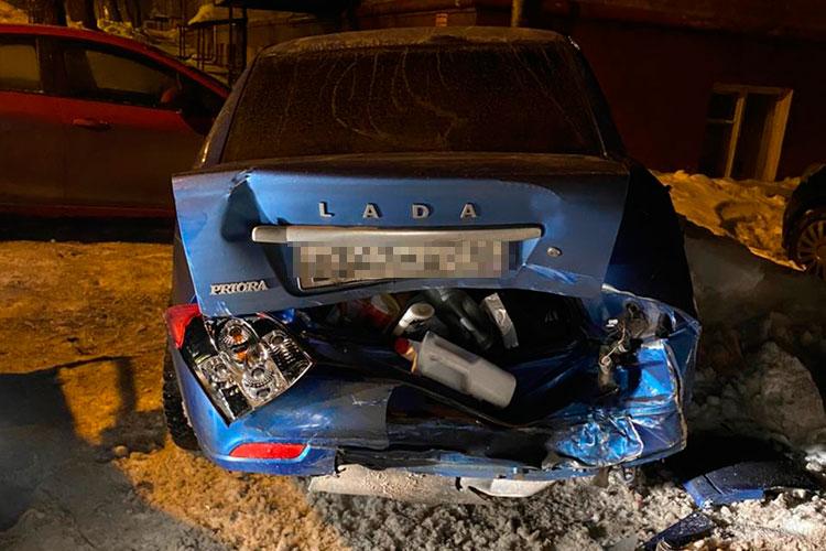 Девушка признается, что Prioraбыла «свежая». Автомобиль, пословам оценщиков, скоторыми поговорила хозяйка, неподлежит восстановлению. Ущерб собеседница издания оценивает в420-430тыс. рублей