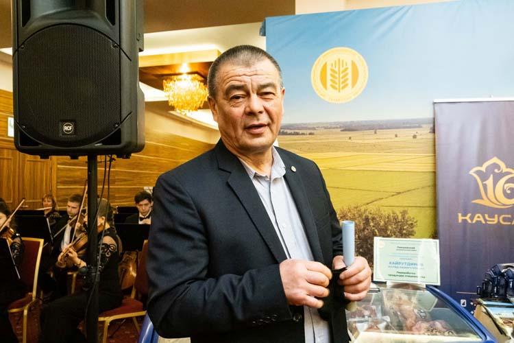 Фарид Хайрутдинов: «Необходимо искать новые способы продаж, а для этой цели нужно объединять сельчан, чтобы мы вместе были и интересы сельчан совпадали»