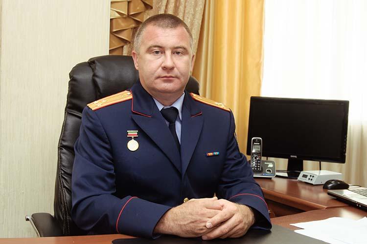 Верховный суд РТ восстановил вдолжности главного следователя Набережных Челнов, полковникаКамиля Халиева,которого вмае прошлого года уволили личным приказом председателя СКР