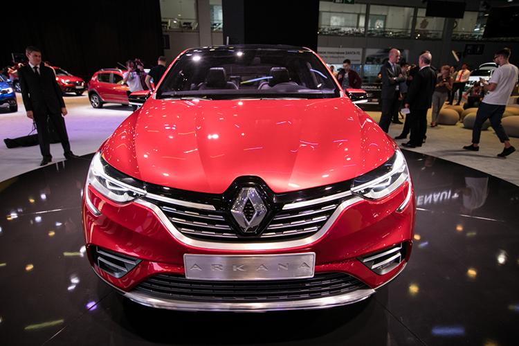 Демократичный французский бренд Renault (самые бюджетные модели вЕСидут под брендом Dacia) сдал позиции насреднерыночном уровне, пореспублике— на6,6% до8212 регистраций