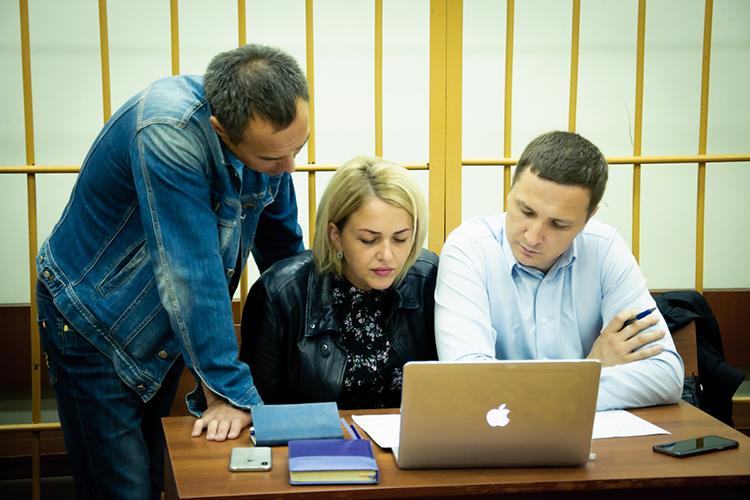 Позволить себе немного расслабиться может известный челнинский бизнесменАлексей Миронов (слева). Наэтой неделе Верховный суд Татарстана запретил следователям снова расследовать его уголовное дело