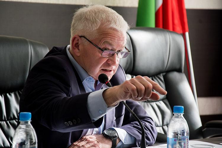 «Проблемы, с которыми мы столкнулись, исходят из разных трактовок, — обозначил суть встречи Фарид Башаров