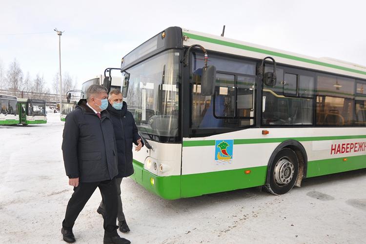 Московские автобусы пригнали настоянку «Горкоммунхоза» 29декабря. Туда Магдеев отправился впервыйже день, чтобы лично ознакомиться сподаркомСобянина