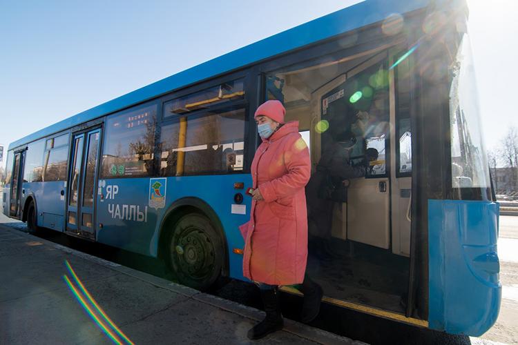 Сегодня намаршруты Челнов выехали долгожданные московские «ЛИАЗы», которые, помнению властей города, должны частично решить проблему общественного транспорта вгороде
