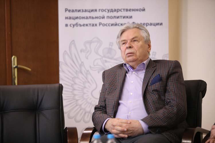 Валерий Тишковподчеркнул, что важно обеспечить свободное волеизъявление, атакже недопустимость агитации иобострение межнациональных отношений инарушение добрососедства соседних регионов
