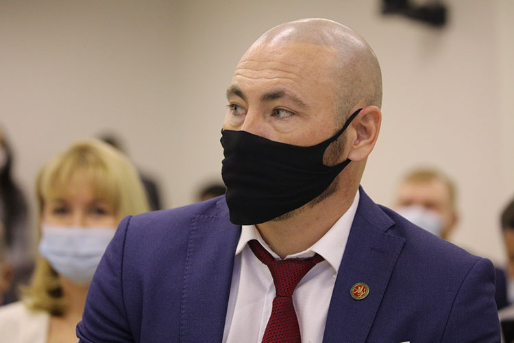 Дамир Каюмоврассказал, что впоследнее время участились проверки предпринимателей сотрудниками Роспотребнадзора поформальному основанию— жалобе