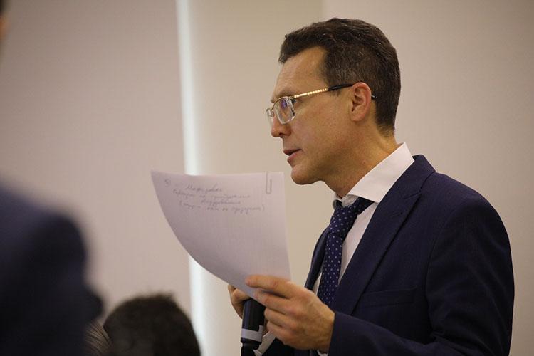 Рустем Сибгатулинрассказал, что подготовлен проект закона РТ, который внесёт изменения втатарстанский закон оПСН. Во-первых, упредпринимателей появится возможность платить налог сполезной площади объекта