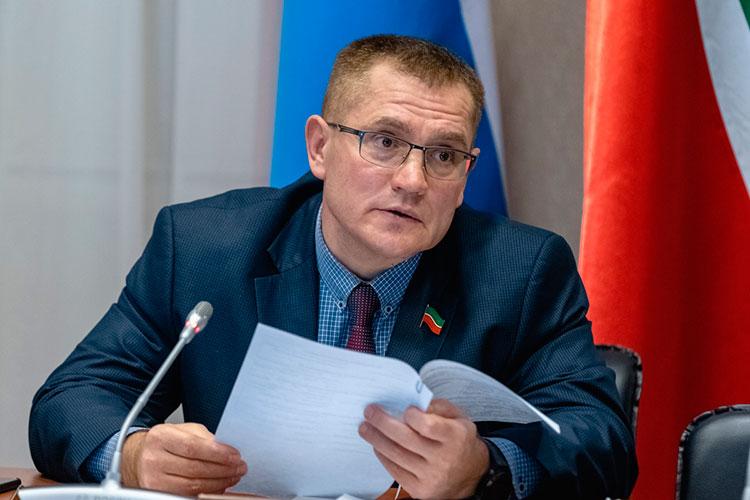 Председатель комитета по жилищной политике и инфраструктурному развитию Александр Тыгин говорил, что программа реновации дворов могла бы принести на порядок больший социальный эффект