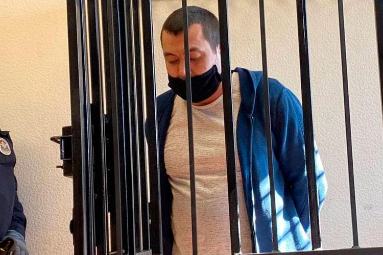 Брат Ильнара Динар был более краток. Он полностью поддержал слова своего адвоката и вновь поставил под сомнение показания Ильдара Шамсутдинова, с которым они вели строительный бизнес
