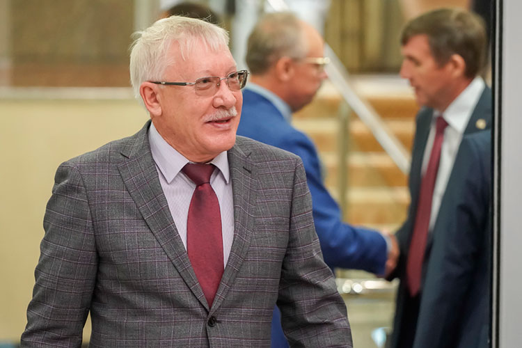 Лидирующий среди депутатов от республики Олег Морозов занял лишь 100-е место