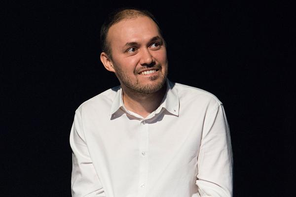 Туфан Имамутдинов провелмастер-класс по подбору материала для спектаклей сособыми артистами