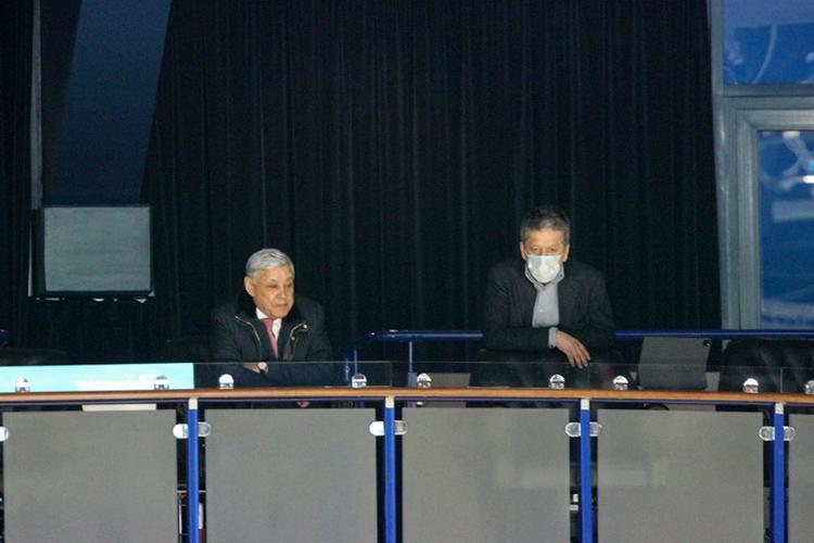 Следил заматчем ипрезидент клубаНаиль Маганов, который сидел вложе вместе спредседателем госсовета РТФаридом Мухаметшиным