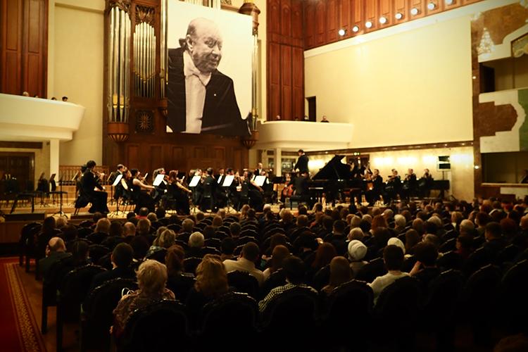 Вовтором отделении прозвучала Третья «Героическая» симфония, висполнении ГСО РТполучившая новые смыслы. Она является одним изважнейших этапов впереходе отэпохи классицизма кэпохе романтизма