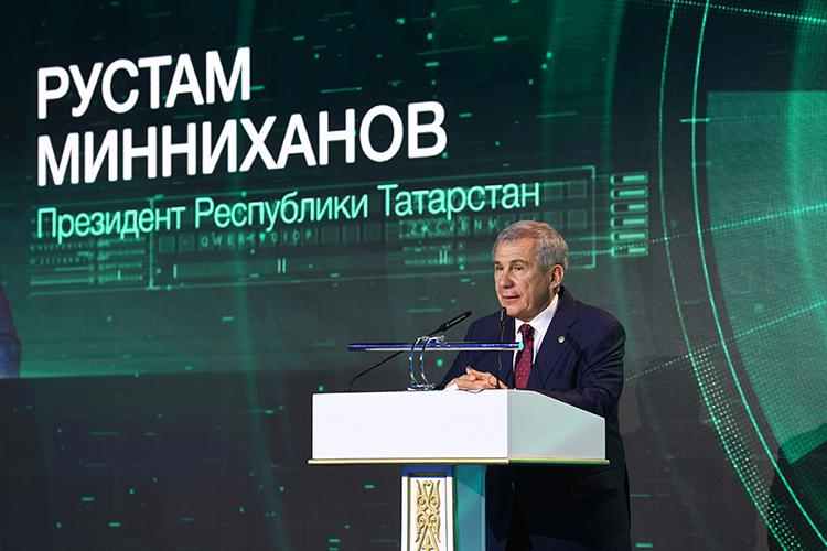 РустамМинниханов:«Татнефть» провела модернизацию всего производства, как легковых еврошин, так иметаллокордовых, имогу заверить, что ребята знают все современные технологии ивесь спрос, который есть. Это хорошее начало ишинная безопасность Казахстана»