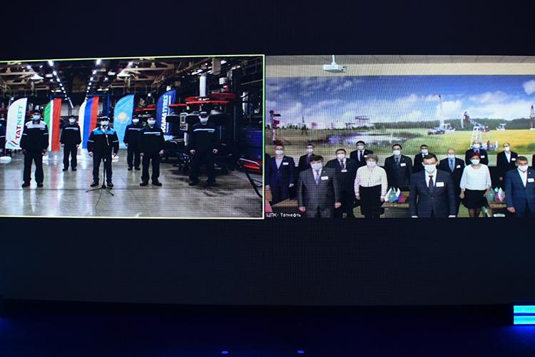 Нацеремонии закладки завода, кстати, состоялось прямое включение изНижнекамска, где сплощадки KAMA TYRES насвязь вышли будущие работники казахстанского завода, стажировка которых уже началась