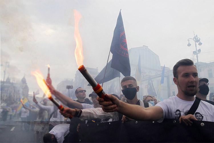 «ВМоскве многие заинтересованы вэскалации конфликта, причем именно, чтобы онперешел вгорячую фазу, пусть ивограниченном объеме. Следует понимать, что вэтом заинтересованы несколько так называемых башен Кремля»