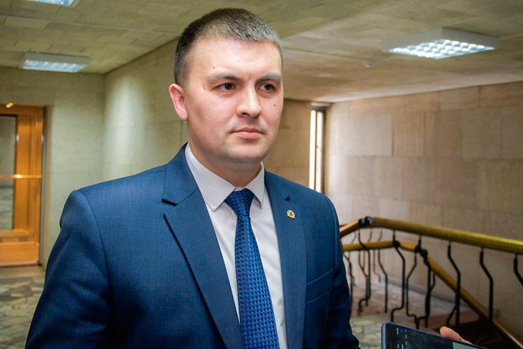 Волжско-Камское управление Росприроднадзора, которое курирует Татарстан, Марий Эл и Чувашию, наконец, обрело нового руководителя. Как и предсказывал «БИЗНЕС Online», им стал 37-летний Фаяз Шакиров