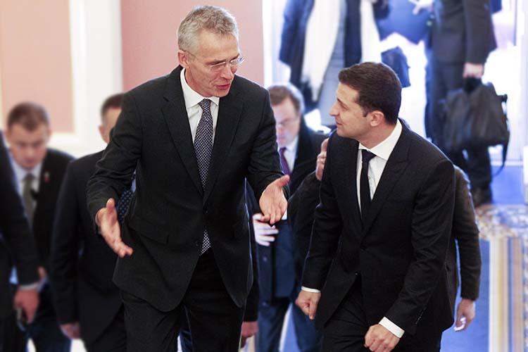 «НАТО— это единственный путь кокончанию войны вДонбассе»— заявил президент УкраиныВладимир Зеленский(справа)вовремя разговора сгенсеком НАТОЙенсомСтолтенбергом (слева)