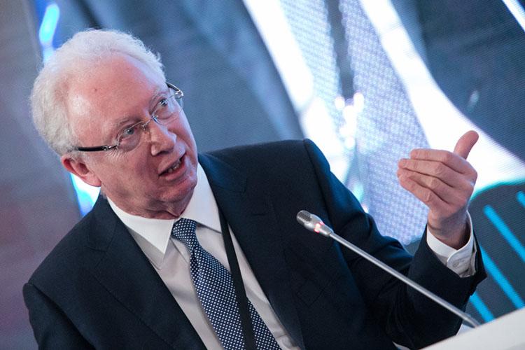 Вьюгин отметил, что в2020 году произошел бурный всплеск интереса частных инвесторов кфинансовому рынку.Этоподтверждаетсястатистикой— за2020 год количество физических лиц, имеющих брокерские счета наМосковской бирже, увеличилось почти на5млн человек