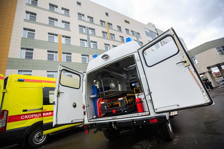 ИзРКБ-2 онотправился винфекционную больницу, акогда подозрения нагепатитиликоронавирус неподтвердилось, вРКБ, где ему диагностировали «токсический шок печени»