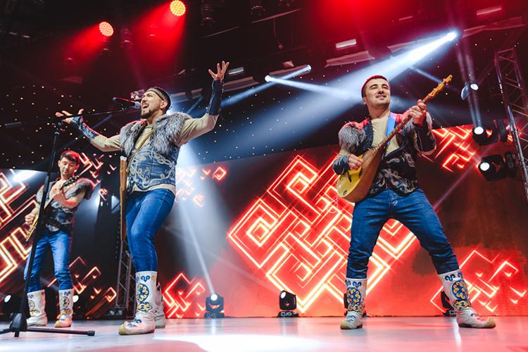 Самые известные артисты изчисла тех, что записали песню «Шежере»— это этно-рок-группа «Аргымак», между прочим, солисты Башкирской государственной филармонии